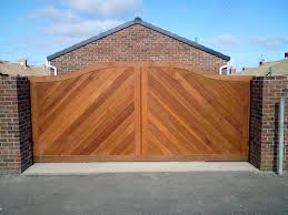 The advantages of timber gates